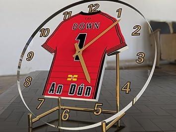 Reloj de escritorio con diseño de camiseta del GAA Gaelic y Hurling, personalizable, hombre, County Down GAA: Amazon.es: Deportes y aire libre