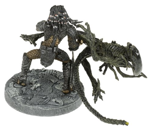 Alien vs McFarlane Celtic Predator Throws Alien Predator