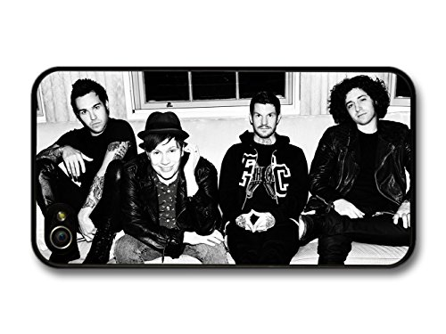 Fall Out Boy FOB Gang Sitting On Sofa Black & White coque pour iPhone 4 4S