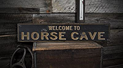 Welcome to HORSE CAVE, KENTUCKY - Rustic Hand-Made Vintage US City Wooden Sign
