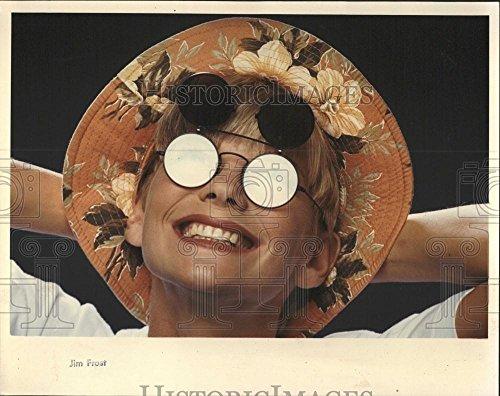1990 Press Photo flip-up sunglasses fisherman hats look - - 1990 Sunglasses
