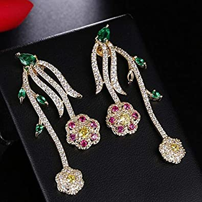 Elegantes aretes colgantes en forma de flor rosa para mujer Boda Oro amarillo Color Cz Piedra Pendientes largos