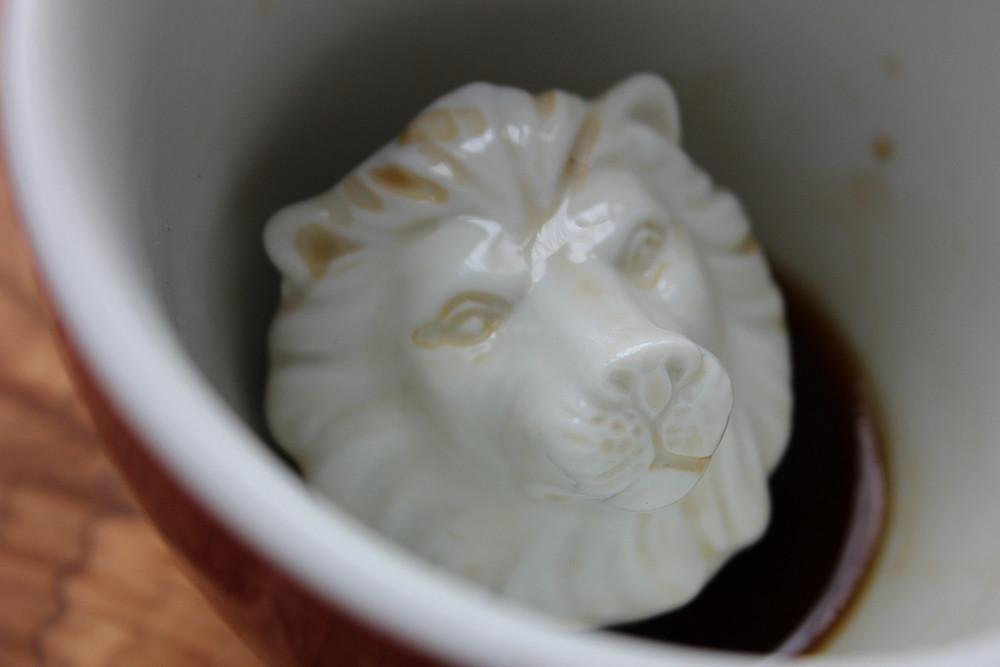 CREATURE CUPS Lion Ceramic Cup (11 Ounce, Red) | Hidden Animal Inside | Holiday and Birthday Gift for Coffee & Tea Lovers by Creature Cups (Image #3)