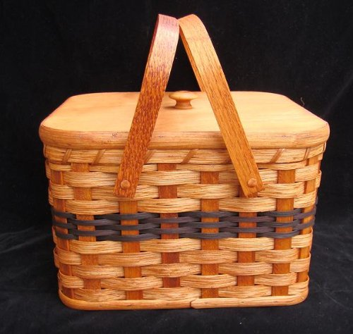 Amish Handmade Large Square Double Pie Carrier Basket with Inside Tray, Lid, and Two Swinging Carrier Handles. Possibility of Fresh Stain Odor, Will Need to Be Aired Out Upon Product Arrival. Colors May Vary. (Pie Basket Carrier)