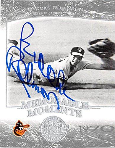 Brooks Robinson Memorabilia - Brooks Robinson autographed baseball card (Baltimore Orioles) 2004 Upper Deck Memorable Moments #62 1970 Diving Catch