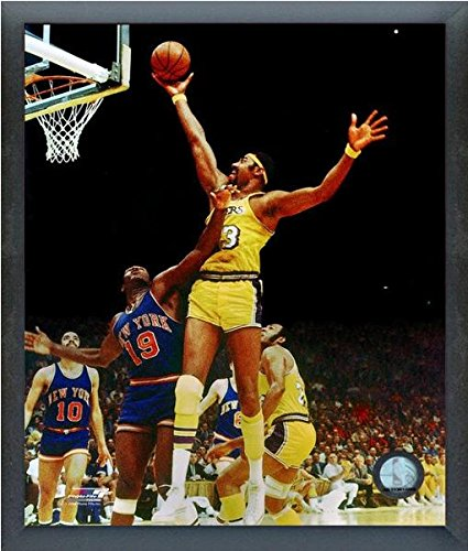 Wilt Chamberlain LA Lakers NBA Action Photo (Size: 12