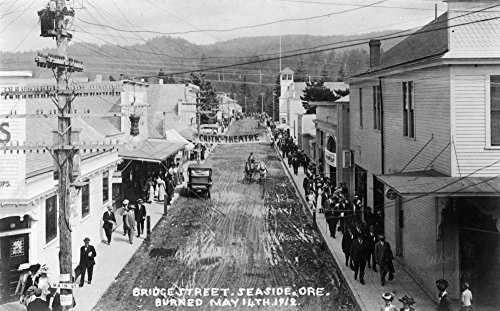 - Seaside, Oregon - Aerial View of Bridge St After 1912 Fire (16x24 SIGNED Print Master Giclee Print w/Certificate of Authenticity - Wall Decor Travel Poster)