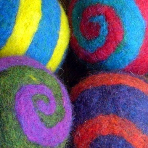 Spiderfelt Felted Felt Spiral Ball Felting Kit - Yellow/Cobalt