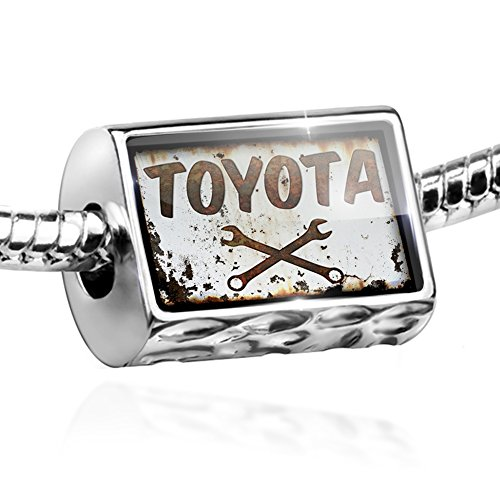 bead-rusty-old-look-car-toyota-charm-by-neonblond