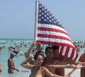 nude-on-mexico-beach
