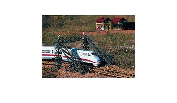 PIKO Neustadt Footbridge Kit G Gauge 62032