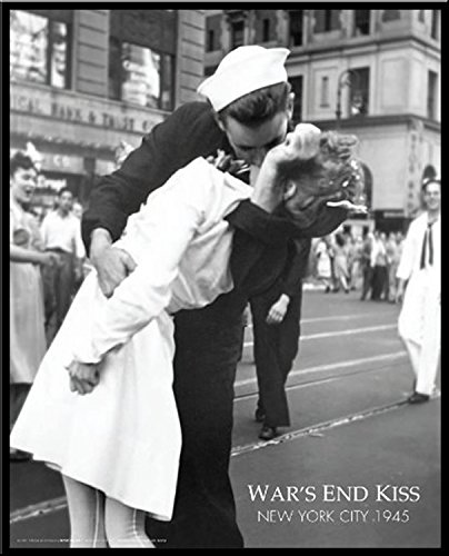 New York Kissing the War Goodbye (War's End Kiss) Photography Romance Framed Poster Print 16 by 20 (Wars Kiss End)