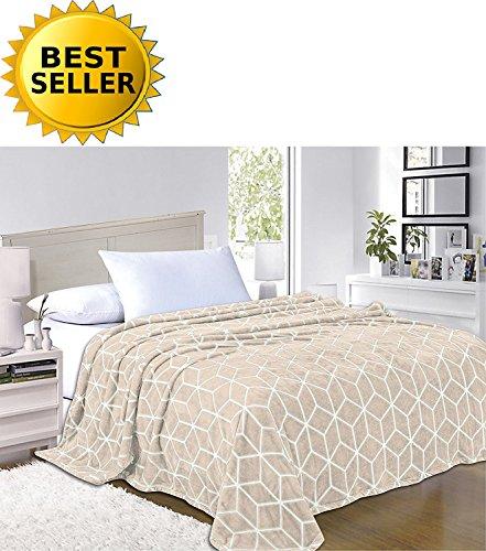 102 Fleece - Elegant Comfort #1 Fleece Blanket on Amazon - Luxury Micro-Fleece Ultra Plush Cube Pattern - All Season Blanket, King/California King, Cream