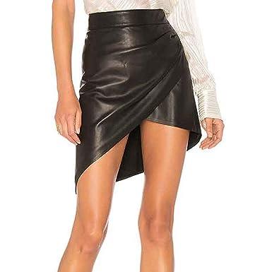 Falda de mujer negra cruzada abierta con horquilla que acentúa la ...