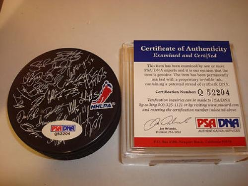 Roberto Luongo Autographed Hockey Puck - Team Canada 2010 Gold - PSA/DNA Certified - Autographed NHL Pucks