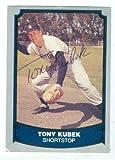Autograph 121853 New York Yankees 1988 Pacific No. 29 Baseball Legends Ball Point Pen Tony Kubek Autographed Baseball Card