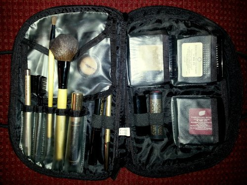 BeautiControl COMPLETE Makeup Set with 13 FULL SIZED Cosmetics in Travel Bag - NEUTRAL Best Selling Makeup that Look Good on EVERYONE! Retail - $185.00 by BeautiControl
