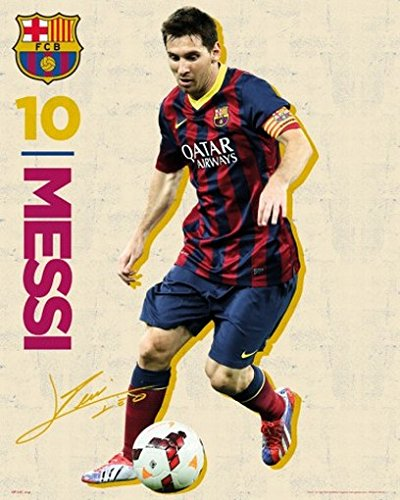 Poster + Hanger: Soccer Mini Poster (20x16 inches) Barcelona FC, Lionel Messi Vintage 13/14 and 1 set of 1art1® Poster Hangers