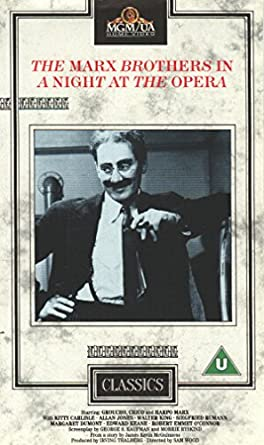 Marx Brothers - A Night At The Opera Reino Unido VHS: Amazon.es ...