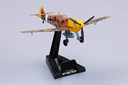 Amazon Com Easy Model Wwii Messerschmitt Bf 109 E 7 Trop Ii