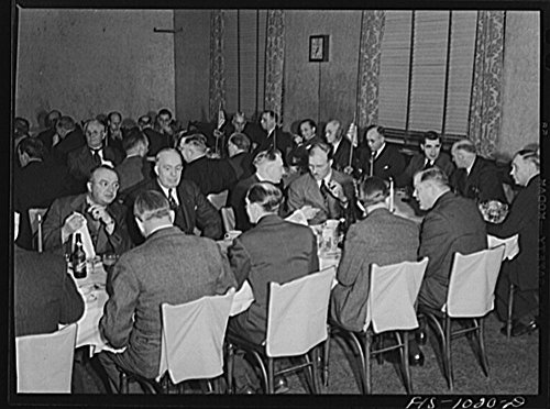 1942 Photo Minneapolis, Minnesota. At a meeting of the Swedish Club, a businessmen's social organization. The club has been in existence for many years and in addition to having lectures and programs, by Historic Photos