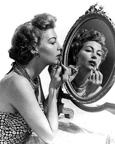 (Posterazzi Ava Gardner 1949 Photo Poster Print (8 x 10))