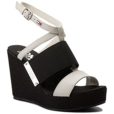 b1615c8ac Tommy Hilfiger Women s EN0EN00048156 Shoes White Size  6.5  Amazon ...