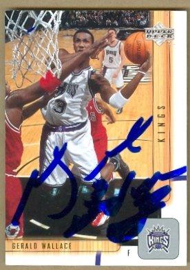 Autograph Warehouse 52862 Gerald Wallace Autographed Basketball Card Sacramento Kings 2002 Upper Deck No .370