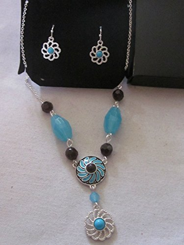 Avon Western Chic Necklace and Earring Gift Set
