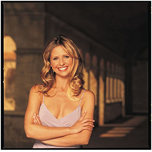 - Buffy the Vampire Slayer 8x10 Photo Sarah Michelle Gellar Skimpy Pale Purple Top Pose 1 kn