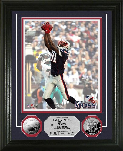 Highland Mint NFL New England Patriots Randy Moss 2010 Silver Coin Photomint by The Highland Mint