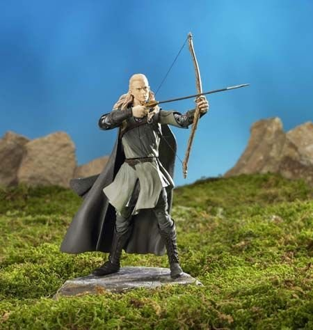 Lord of the Rings The Two Towers Legolas with Arrow Launching Action and Electronic Sound Base Action Figure toybiz