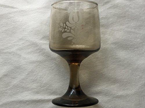 (Pfaltzgraff Village Etched Wine Glass, Pfaltzgraff Village Wine Glass 5-1/4 tall)