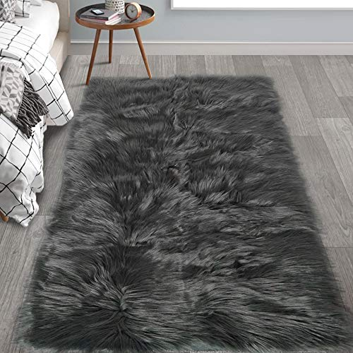 HAOCOO Faux Fur Sheepskin Rug Fuzzy Fluffy Rectangle Dark Gray Area Rugs 3'x 5'Kids Carpet for Bedroom Living Room Floor Or Across Your Armchair Sofa Couch (Faux Small Fur Rug)