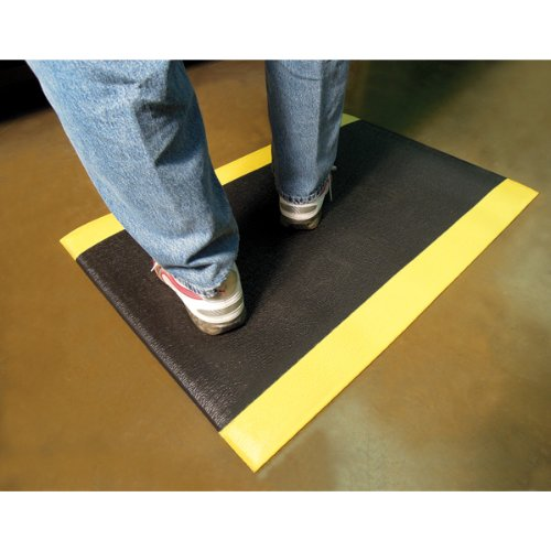 Wearwell PVC 440 UltraTred ArmorCote Light Duty Anti-Fatigue Mat, for Dry Areas, 2' Width x 3' Length x 3/8'' Thickness, Black / Yellow