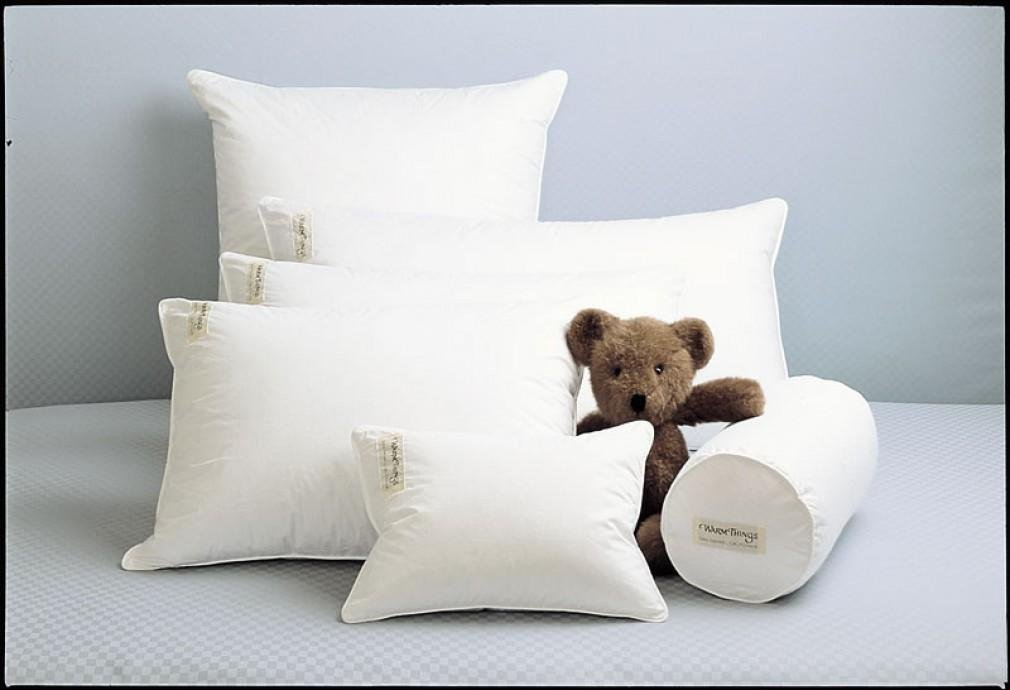 Medium Goose Down Pillow Level 2 White / Standard