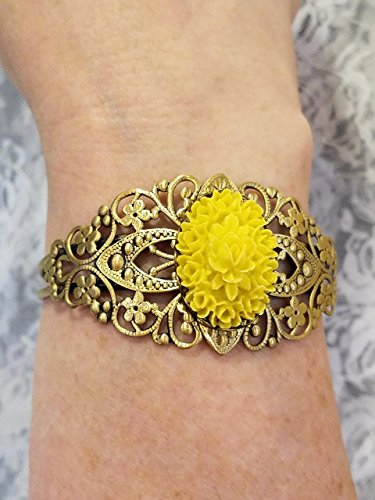 (Victorian Style Yellow Rose Cameo Cuff Bracelet *Reproduction* Goldtone Filigree)
