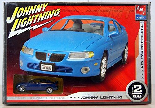 Johnny Lightning 2004 Pontiac GTO Model Kit with diecast car (Gto Model Car)