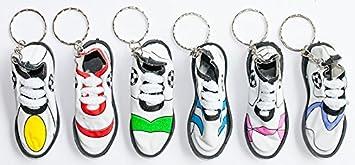 24 x Schlüsselanhänger Fußballschuhe Sportschuh 7 x 3 cm