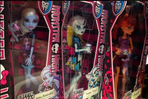 Monster High Abbey Bominable Coffin Bean Doll (Monster High Jane Boolittle??? Doll)