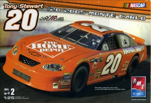 Tony Stewart #20 2005 Monte Carlo 1:25 Model Kit Nascar AMT/ERTL Home Depot ()
