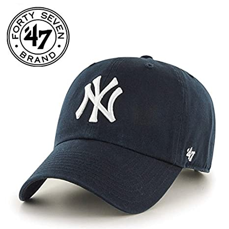 new concept c9b10 171c8 Amazon.com   MLB New York Yankees  47 Brand Navy Basic Logo Clean Up Home  Adjustable Hat   Sports   Outdoors