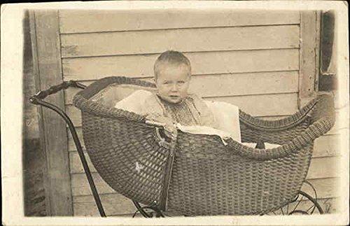 Child In Wicker Buggy Children Original Vintage Postcard - Wicker Buggy