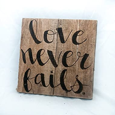 Love never fails Love sign Anniversary gift Shabby chic decor Rustic wedding gift Wood signs Wood wall art Pallet sign Rustic bridal shower