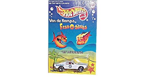 EXCELLENT CONDITION 1996 HOT WHEELS VAN DE KAMPS WHITE 1967 MUSTANG W// 5S