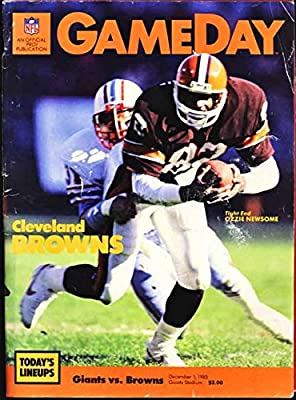New York Giants Football Game Program; December 1, 1985 (Cleveland Browns) (Ozzie Newsome cover)