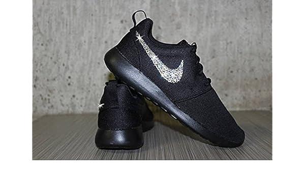 ce71663669389 Amazon.com  Black Nike Roshes women