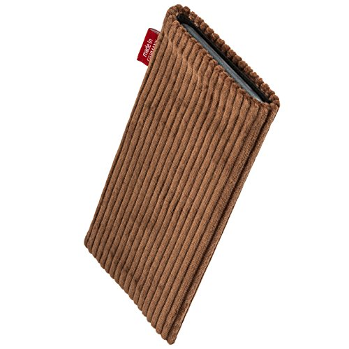 fitBAG Retro Brown custom tailored sleeve for Wiko Lenny. Fine corduroy pouch with integrated MicroFibre lining for display cleaning