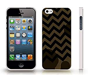 iStar Cases? iPhone 4 Case with Chevron Pattern Artichoke Brown/ Black Stripe , Snap-on Cover, Hard Carrying Case (White)