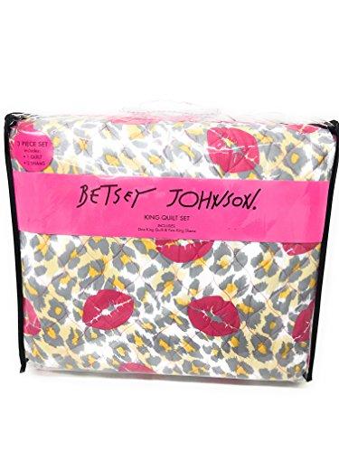 Betsey Johnson Lily (Betsey Johnson FULL/QUEEN 3-Piece Reversible Quilt Set, Leopard Smooch)